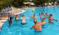 Turquoise_Side_Zwembad_Spelen