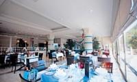 Turquoise_Side_restaurant_leeg